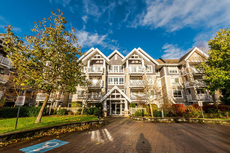 Main Photo: #408 20750 Duncan Way: Langley City Condo for sale (Langley)  : MLS®# R2221641