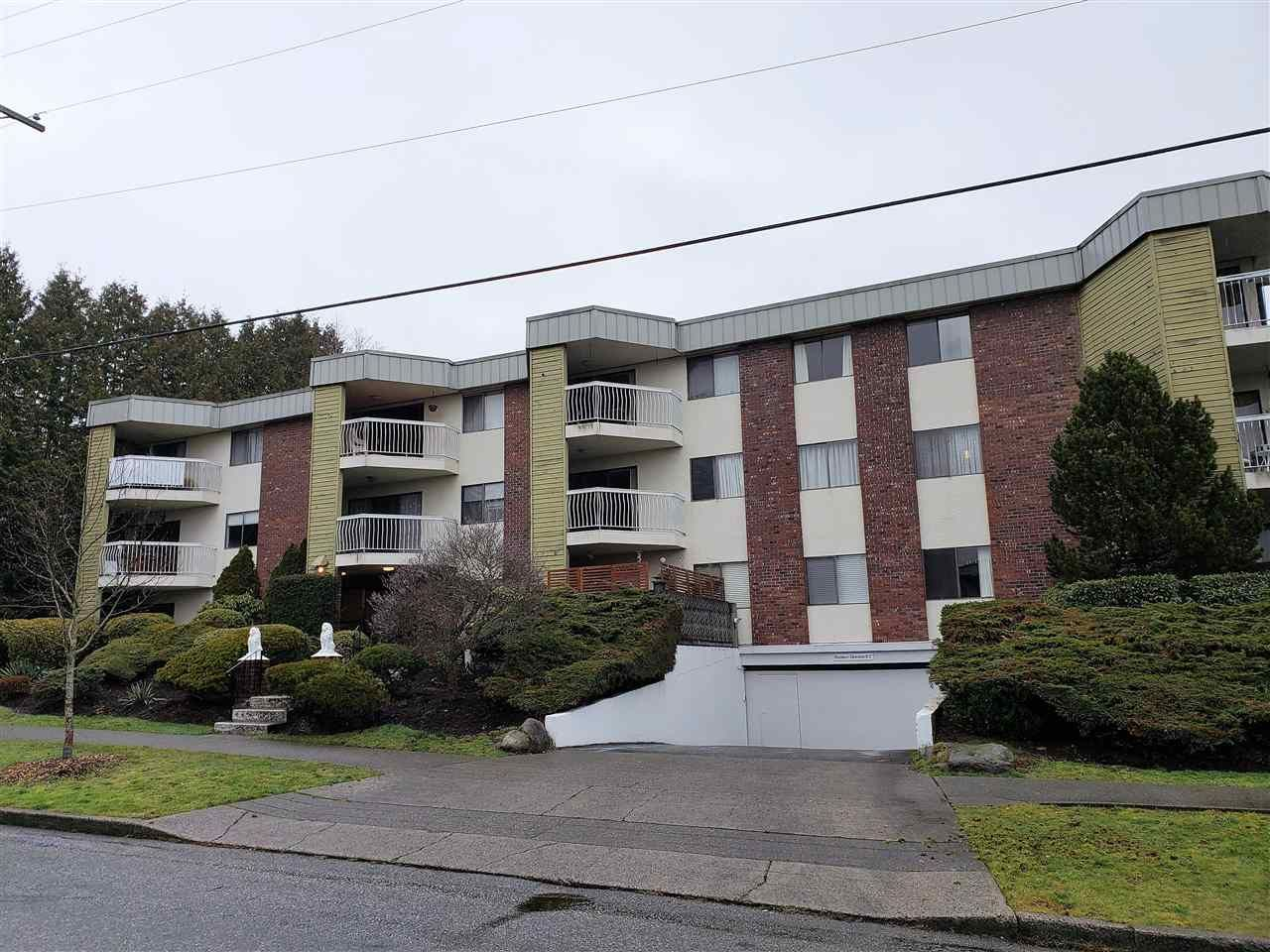 """Main Photo: 301 327 NINTH Street in New Westminster: Uptown NW Condo for sale in """"Kennedy Manor"""" : MLS®# R2334560"""