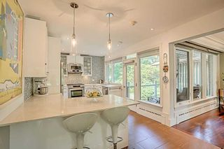 Photo 5: 59 Riverwood Parkway in Toronto: Stonegate-Queensway House (Bungalow) for sale (Toronto W07)  : MLS®# W4491035