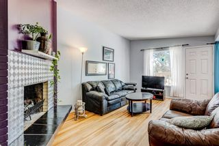 Photo 4: 2015 40 Street SE in Calgary: Forest Lawn Semi Detached for sale : MLS®# A1068609