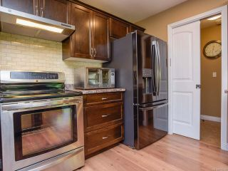Photo 14: 2086 Lambert Dr in COURTENAY: CV Courtenay City House for sale (Comox Valley)  : MLS®# 813278