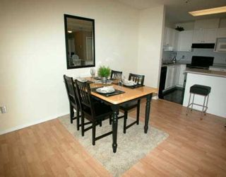 "Photo 2: 2978 BURLINGTON Drive in Coquitlam: North Coquitlam Condo for sale in ""THE BURLINGTON"" : MLS®# V627386"
