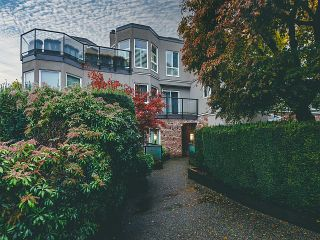 "Photo 13: 208 2110 CORNWALL Avenue in Vancouver: Kitsilano Condo for sale in ""Seagate Villa"" (Vancouver West)  : MLS®# R2515614"