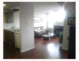 """Photo 6: 2490 W 2ND Ave in Vancouver: Kitsilano Condo for sale in """"THE TRINITY"""" (Vancouver West)  : MLS®# V640534"""