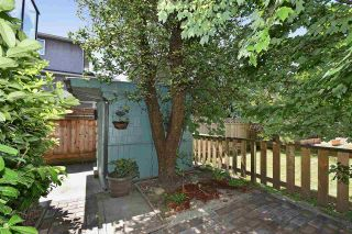 """Photo 5: 2236 E PENDER Street in Vancouver: Hastings House for sale in """"GRANDVIEW"""" (Vancouver East)  : MLS®# R2073977"""