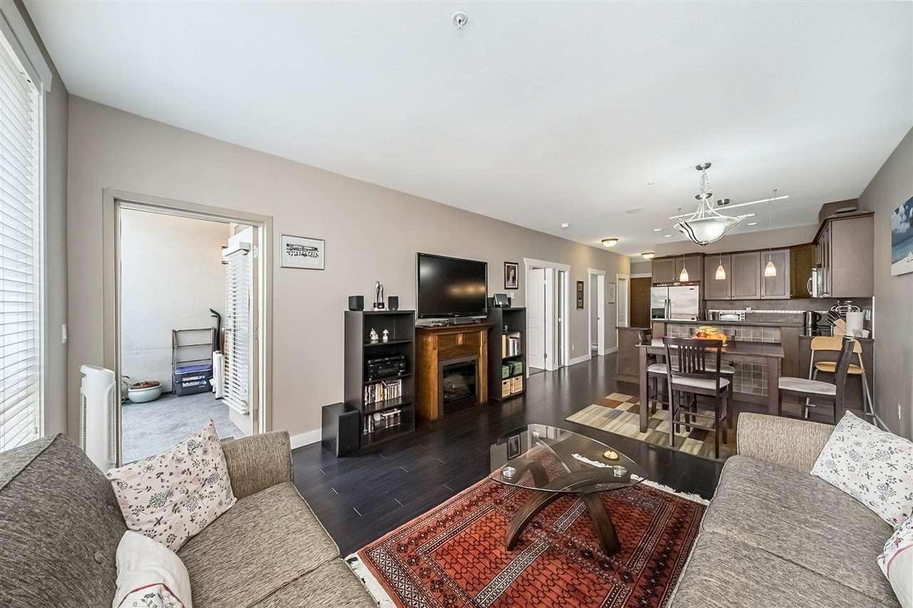 """Photo 7: Photos: 311 14333 104TH Avenue in Surrey: Whalley Condo for sale in """"Park Central"""" (North Surrey)  : MLS®# R2298622"""
