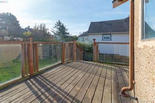Photo 6: 241 Robert St in VICTORIA: VW Victoria West House for sale (Victoria West)  : MLS®# 810366