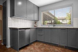 """Photo 3: 28 10751 MORTFIELD Road in Richmond: South Arm Townhouse for sale in """"CHELSEA PLACE"""" : MLS®# R2588040"""