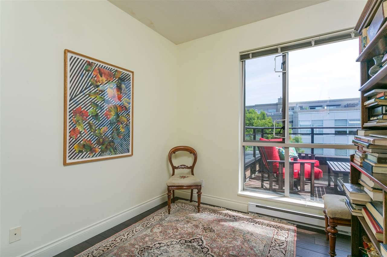 """Photo 13: Photos: 404 2175 SALAL Drive in Vancouver: Kitsilano Condo for sale in """"Savona"""" (Vancouver West)  : MLS®# R2397465"""