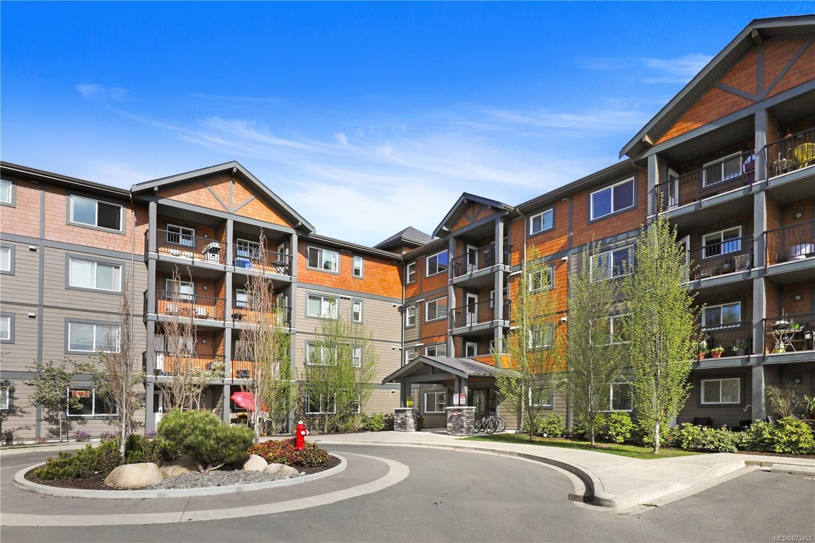 Main Photo: 304 1944 Riverside Lane in : CV Courtenay City Condo for sale (Comox Valley)  : MLS®# 873452