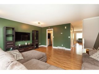 Photo 4: 3 10045 154 STREET in Surrey: Guildford Townhouse for sale (North Surrey)  : MLS®# R2472990