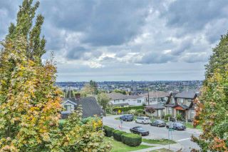 Photo 3: 4 4055 PENDER Street in Burnaby: Willingdon Heights Townhouse for sale (Burnaby North)  : MLS®# R2113879