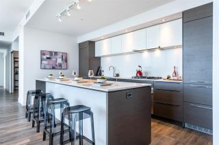 """Photo 10: 1705 5233 GILBERT Road in Richmond: Brighouse Condo for sale in """"RIVER PARK PLACE"""" : MLS®# R2575125"""