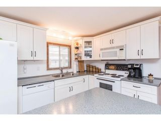Photo 9: 31519 LOMBARD Avenue in Abbotsford: Poplar Manufactured Home for sale : MLS®# R2572916
