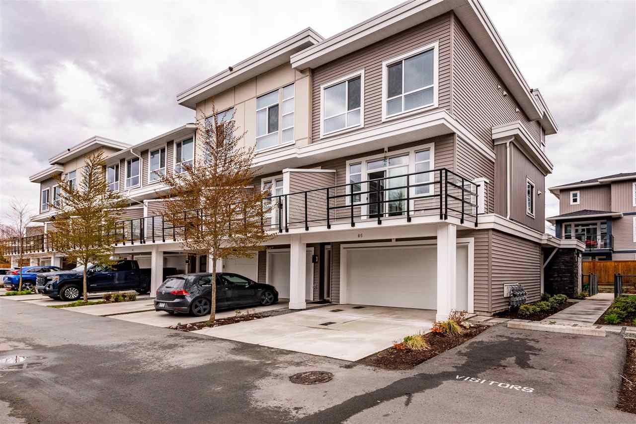 Main Photo: 85 8413 MIDTOWN Way: Townhouse for sale in Chilliwack: MLS®# R2562039