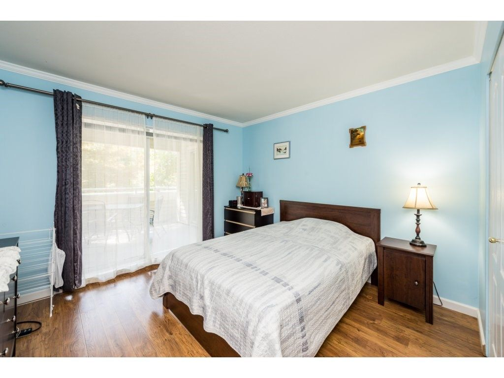 """Photo 13: Photos: 201 9626 148TH Street in Surrey: Guildford Condo for sale in """"Hartfood Woods"""" (North Surrey)  : MLS®# R2329881"""