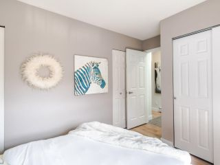 "Photo 10: 16 1388 W 6TH Avenue in Vancouver: Fairview VW Condo for sale in ""NOTTINGHAM"" (Vancouver West)  : MLS®# R2411492"