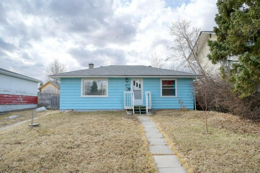 Main Photo: 4747 Montana Crescent NW in Calgary: Montgomery Detached for sale : MLS®# A1084038