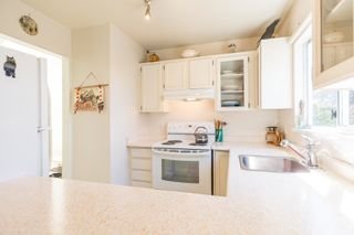 Photo 8: 3 112 ST. ANDREWS Avenue in North Vancouver: Lower Lonsdale Townhouse for sale : MLS®# R2609841