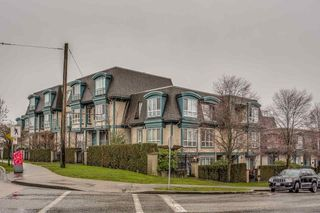 """Photo 1: 15 288 ST. DAVIDS Avenue in North Vancouver: Lower Lonsdale Townhouse for sale in """"ST. DAVID'S LANDING"""" : MLS®# R2232167"""