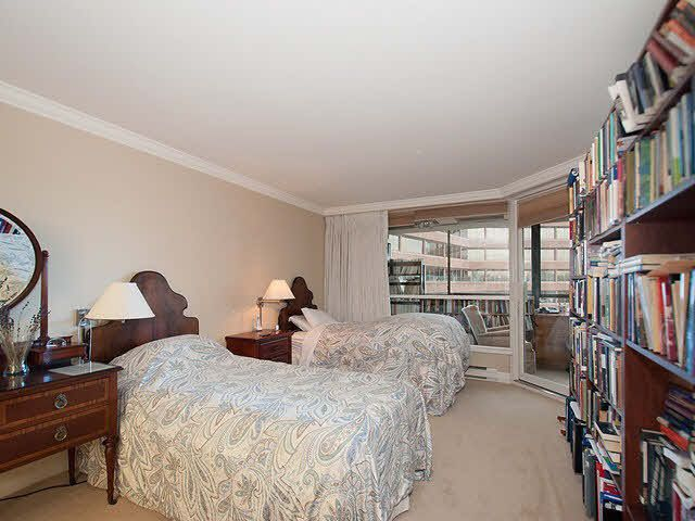 """Photo 8: Photos: 611 1450 PENNYFARTHING Drive in Vancouver: False Creek Condo for sale in """"HARBOUR COVE"""" (Vancouver West)  : MLS®# V1086066"""