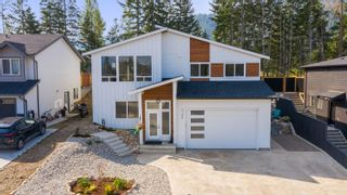 Photo 2: 2120 Southeast 15 Avenue in Salmon Arm: HILLCREST HEIGHTS House for sale (SE Salmon Arm)  : MLS®# 10238991