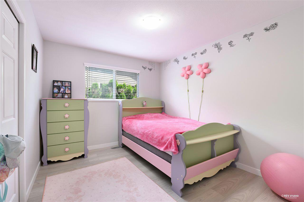 Photo 15: Photos: 15423 93 Avenue in Surrey: Fleetwood Tynehead House for sale : MLS®# R2488101