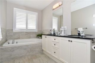 Photo 11: 300 Lakebreeze Drive in Clarington: Newcastle House (2-Storey) for sale : MLS®# E3650649