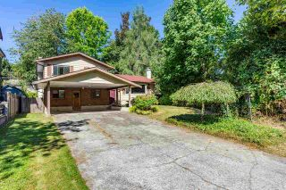 Photo 1: 8937 EDINBURGH Drive in Surrey: Queen Mary Park Surrey House for sale : MLS®# R2485380