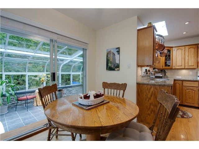 "Photo 14: Photos: 15515 BUENA VISTA Avenue: White Rock House for sale in ""Vista Hills"" (South Surrey White Rock)  : MLS®# F1312289"