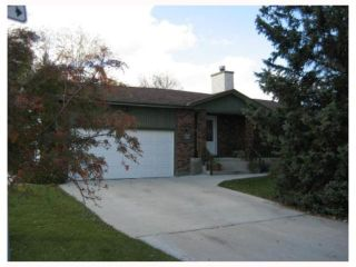 Photo 1: 696 CATHCART Street in WINNIPEG: Charleswood Residential for sale (South Winnipeg)  : MLS®# 2820056