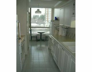 """Photo 6: 6838 STATION HILL Drive in Burnaby: South Slope Condo for sale in """"BELGRAVIA"""" (Burnaby South)  : MLS®# V626517"""