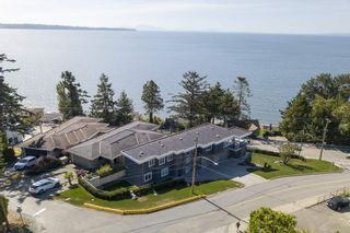 "Photo 31: 14432 MAGDALEN Crescent: White Rock House for sale in ""Ocean View White Rock"" (South Surrey White Rock)  : MLS®# R2536226"