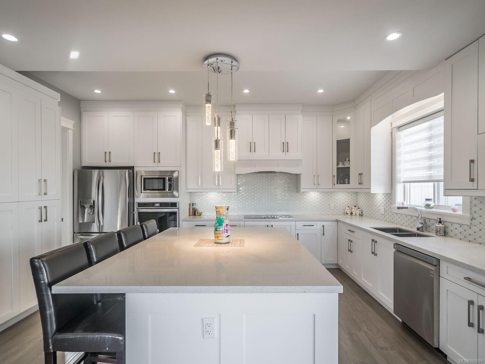 Photo 10: Photos: 5821 Linley Valley Dr in : Na North Nanaimo House for sale (Nanaimo)  : MLS®# 860691
