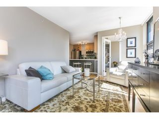 """Photo 3: 1301 928 HOMER Street in Vancouver: Yaletown Condo for sale in """"Yaletown Park 1"""" (Vancouver West)  : MLS®# R2605700"""