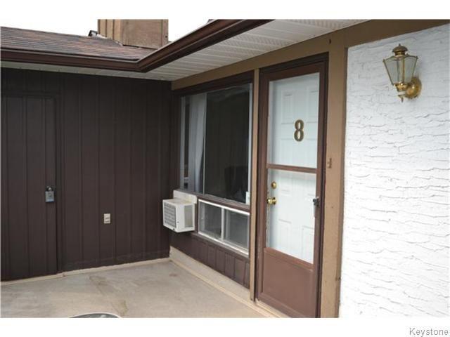 Main Photo: 320 Carriage Road in WINNIPEG: Westwood / Crestview Condominium for sale (West Winnipeg)  : MLS®# 1529449