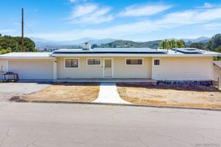 Photo 2: LAKESIDE House for sale : 3 bedrooms : 9111 Paradise Park Dr