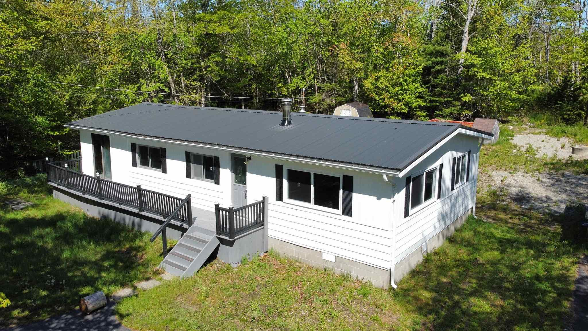 Main Photo: 799 Woodlawn Drive in Shelburne: 407-Shelburne County Residential for sale (South Shore)  : MLS®# 202114438
