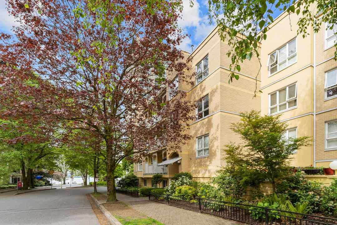 """Main Photo: 406 1125 GILFORD Street in Vancouver: West End VW Condo for sale in """"Gilford Court"""" (Vancouver West)  : MLS®# R2577212"""