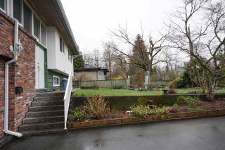 """Photo 2: 2431 GLENWOOD Avenue in Port Coquitlam: Woodland Acres PQ House for sale in """"Woodland Acre"""" : MLS®# R2586320"""