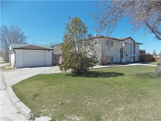 Photo 2: 60 Whitehall Boulevard in Winnipeg: Residential for sale : MLS®# 1610686