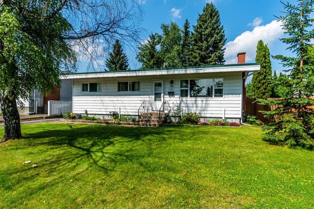 Main Photo: 1106 QUAW Avenue in Prince George: Spruceland House for sale (PG City West (Zone 71))  : MLS®# R2605242