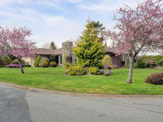 Photo 2: 1856 Hillcrest Ave in Saanich: SE Gordon Head House for sale (Saanich East)  : MLS®# 869213