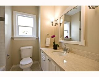 "Photo 7: 4107 DUNDAS Street in Burnaby: Vancouver Heights House for sale in ""VANCOUVER HEIGHTS"" (Burnaby North)  : MLS®# V783153"