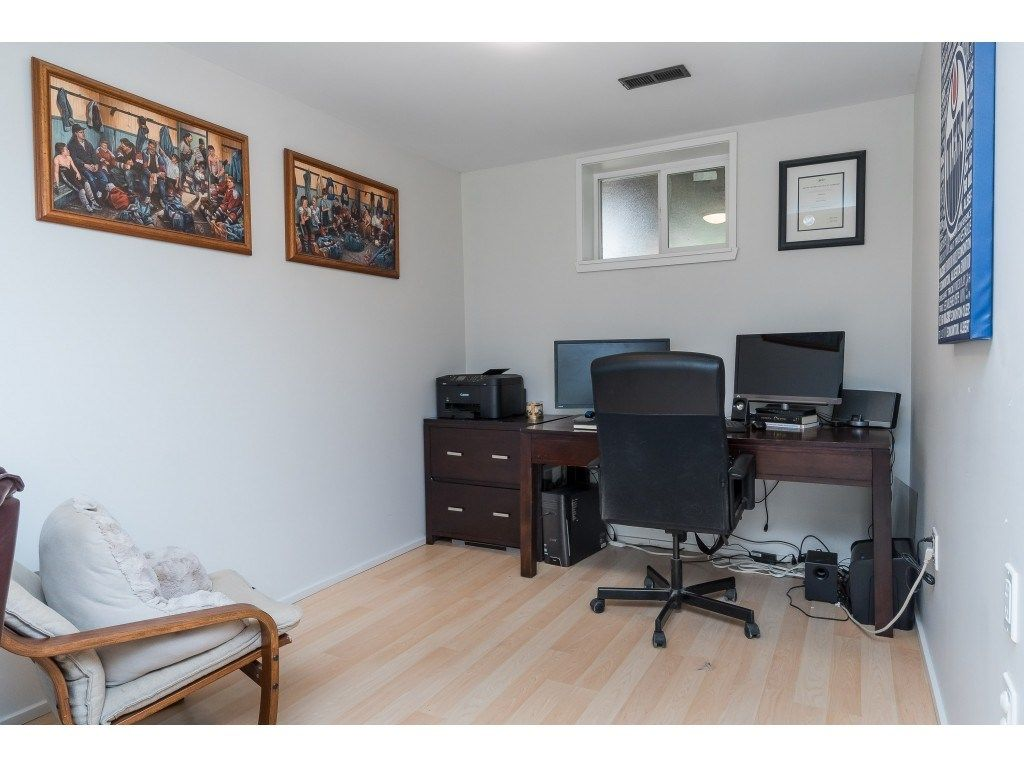 """Photo 18: Photos: 2669 VALEMONT Crescent in Abbotsford: Abbotsford West House for sale in """"West Clearbrook"""" : MLS®# R2460646"""