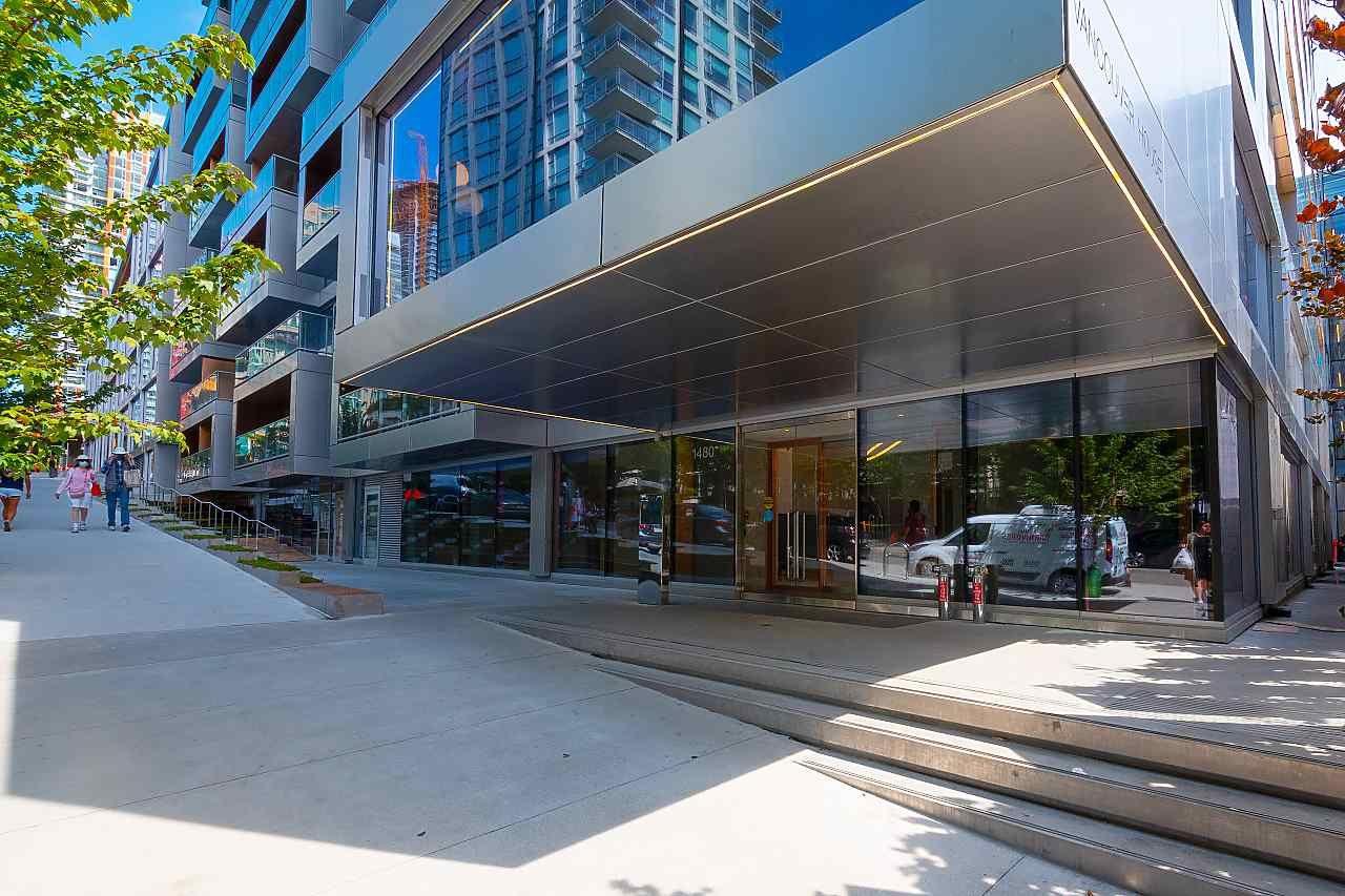 """Photo 35: Photos: 3703 1480 HOWE Street in Vancouver: Yaletown Condo for sale in """"Vancouver House"""" (Vancouver West)  : MLS®# R2527999"""