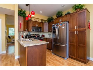 "Photo 10: 23140 BILLY BROWN Road in Langley: Fort Langley Condo for sale in ""Bedford Landing"" : MLS®# R2099281"