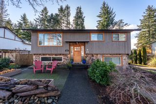 Photo 1: 1917 Cougar Cres in : CV Comox (Town of) House for sale (Comox Valley)  : MLS®# 863198