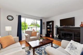Photo 3: 12124 GEE Street in Maple Ridge: East Central House for sale : MLS®# R2579289