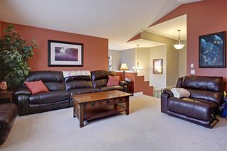 Photo 15: 100 Mt Selkirk Close SE in Calgary: McKenzie Lake Detached for sale : MLS®# A1063625